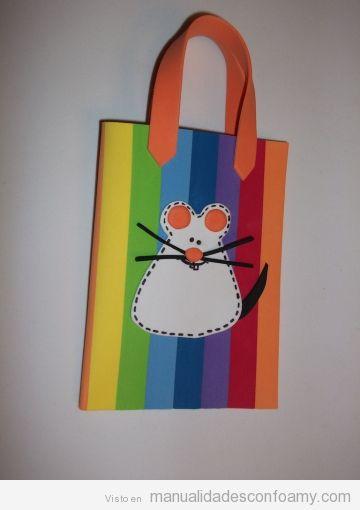 Bolsa de colorines en foamy para niñas con un ratón