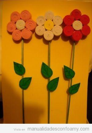 d2628f77ad6 Flores de foamy formadas por tiras enrolladas • Manualidades con Foamy