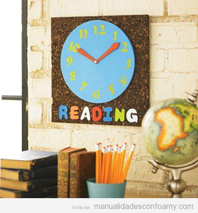 Reloj de pared hecho en goma eva manualidades con foamy - Decorar paredes infantiles con goma eva ...