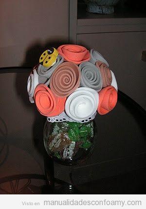 cae840617df Ramo de flores de foamy • Manualidades con Foamy