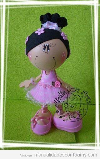 Muñeca de goma eva, fofucha bailarina