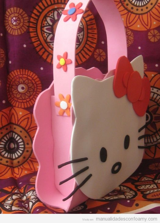 Bolso de Hello Kitty hecho con foamy