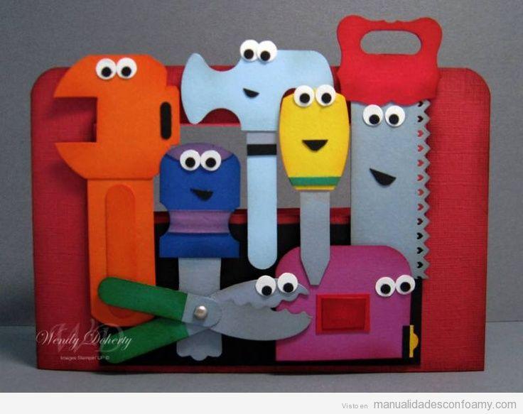 mirad que caja de herramientas de juguete mas chula no se por que pero ...