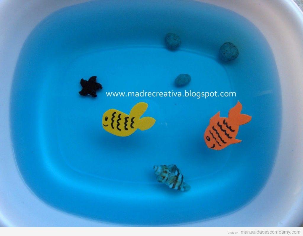 Manualidad de foamy para niños en verano, pecera con peces de foamy