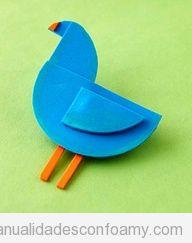 Pájaro sencillo y fácil hecho con goma eva para niños
