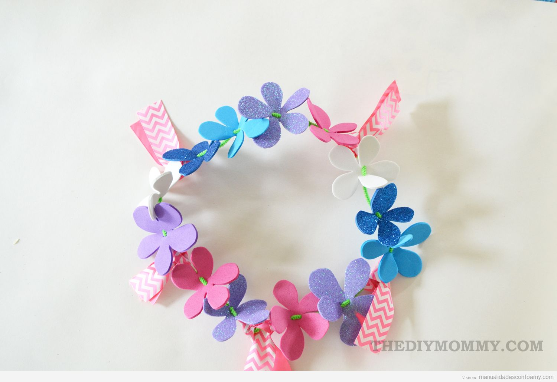 Manualidad para verano corona de flores de goma eva Manualidades