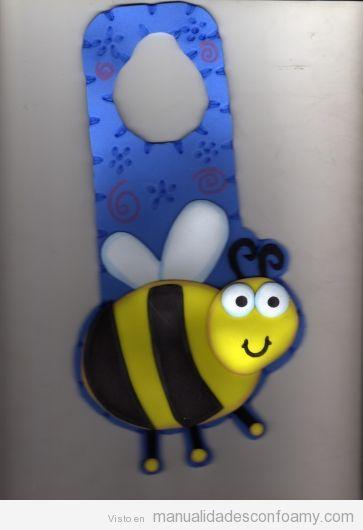 Manualidades en foamy, pomo de la puerta con forma de abeja