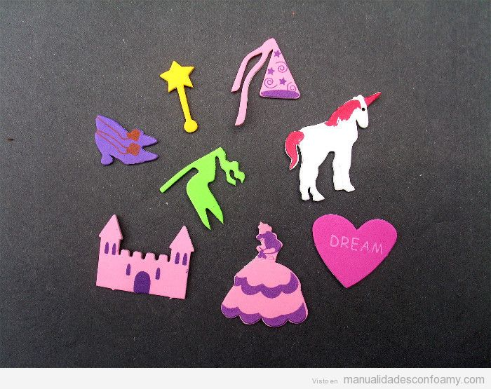 Manualidades goma eva de princesa, castillo, varita mágica y unicornio