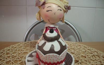 Cómo hacer una fofucha con un cupcake, vídeo paso a paso