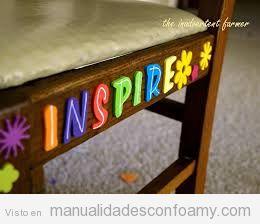 Ideas para decorar silla con palabras de foamy