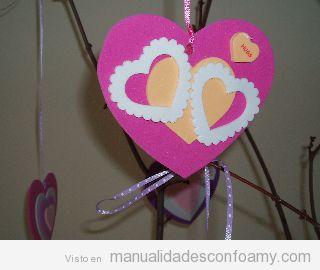Regalo San Valentín, corazones de goma eva