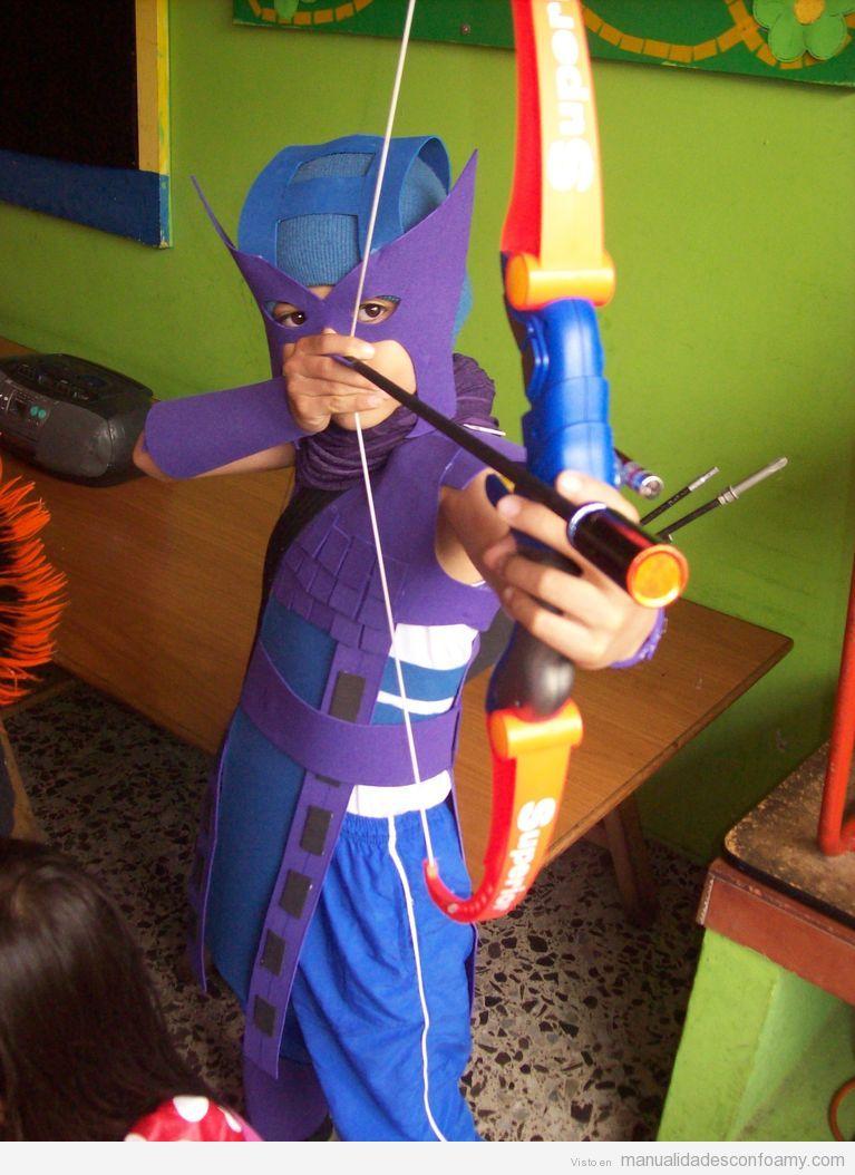 Disfraz arquero Los Vengadores hecho con goma eva