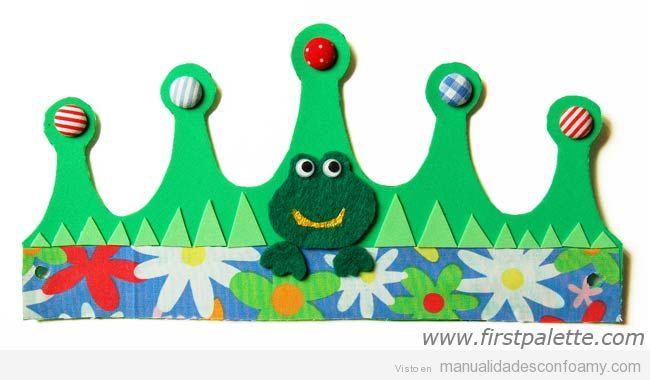 Corona de cumpleaños hecha con goma eva, manualidad divertida para niños