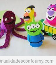 Muñeco de Toy Story hechos con goma eva