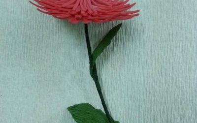 Preciosa flor en goma eva y papel