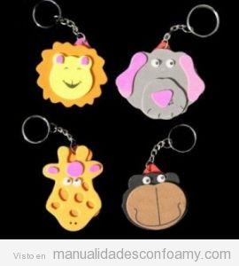 Llaveros goma eva con forma de león, elefante, jirafa y mono