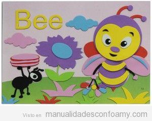 Mural niños hecho con goma eva, abeja y hormiga