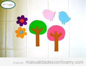 Flores, arboles y pájaros en foamy para pegar en la bañera