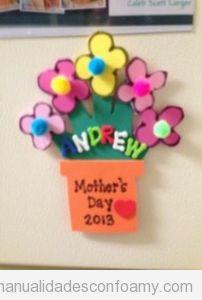 Maceta con flores, manualidades niños en goma eva para día de la madrte