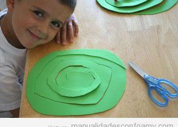 Manualidad fácil para hacer con niños: una serpiente goma eva