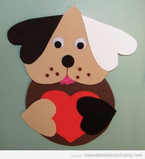 Perro formado con varios corazones en goma eva o foamy.