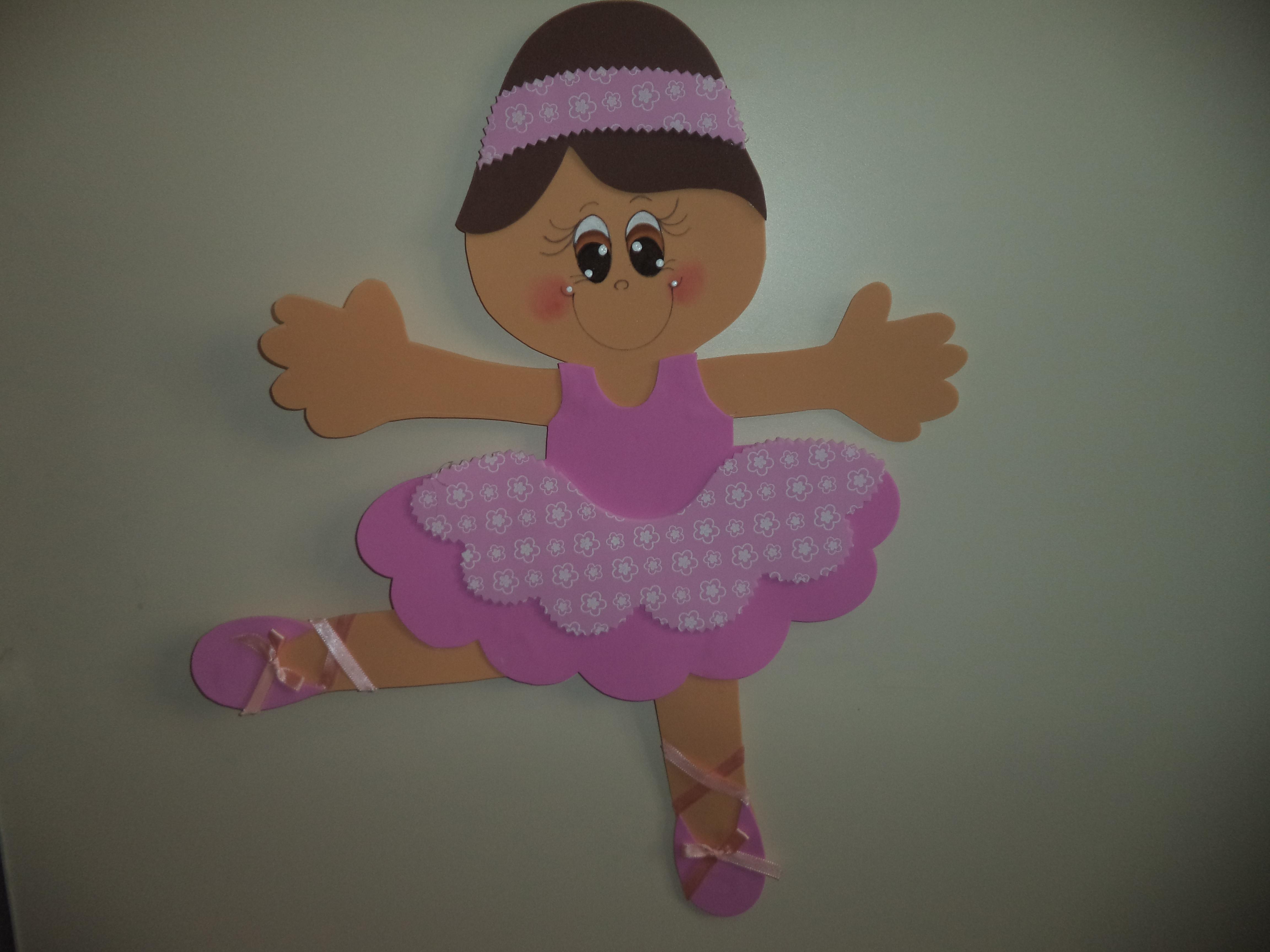 Muñecas de goma eva en 2 dimensiones o planas, manualidad fácil