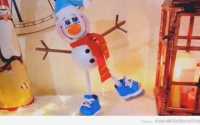 Manualidades navideñas como goma Eva: Muñeco de nieve