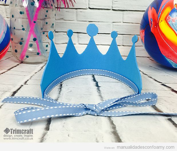 dos coronas una de rey y otra de reina ideales para hacer en un