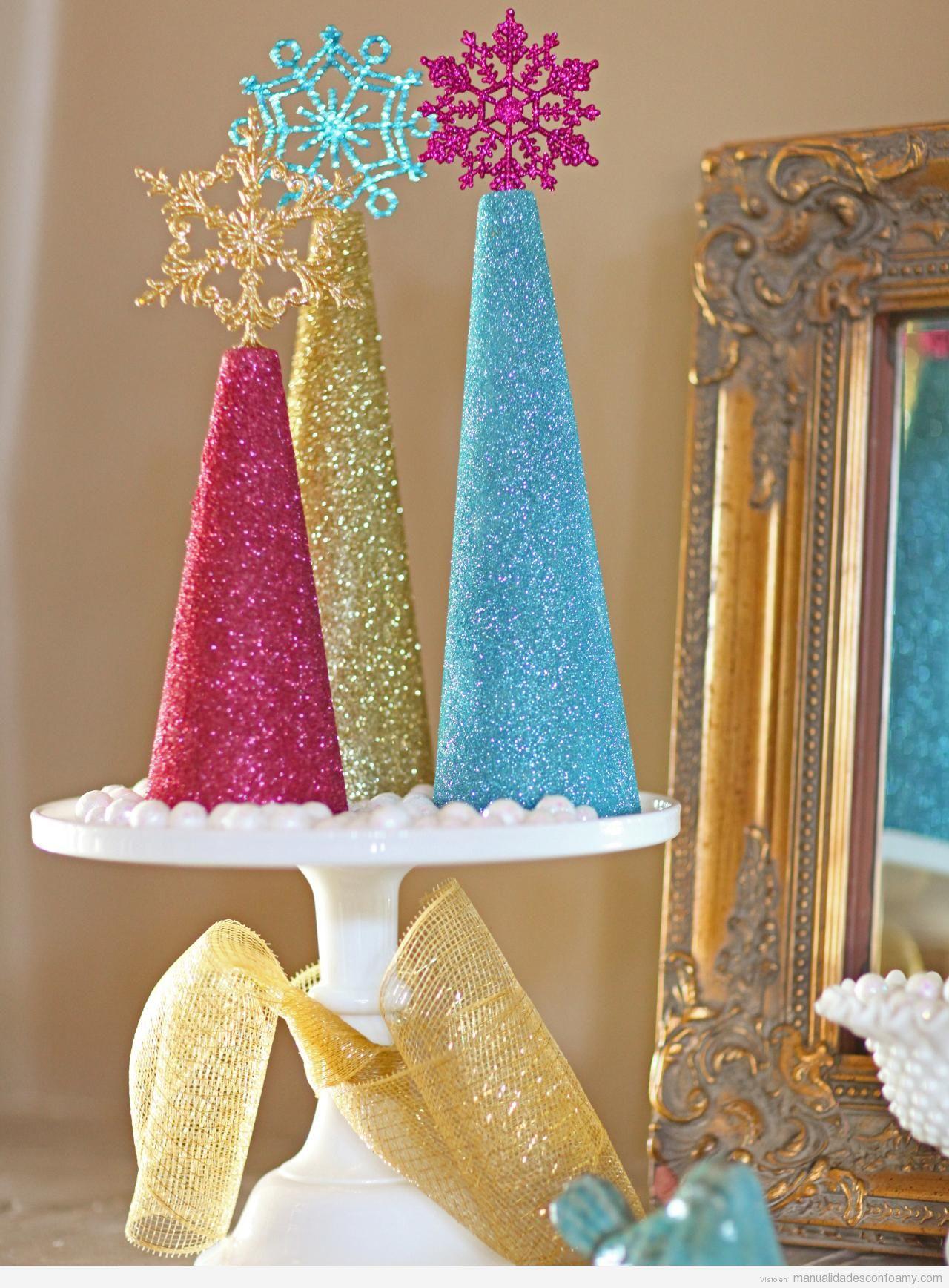 Centros mesa Navidad, conos de goma eva