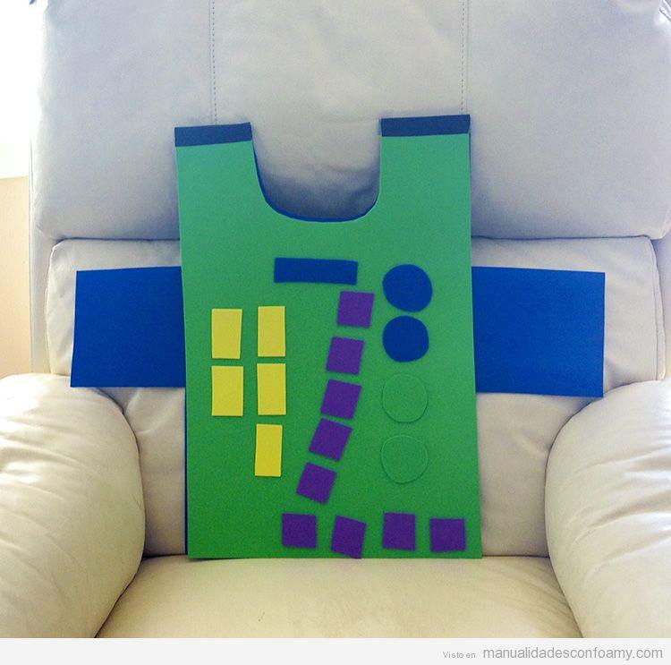 Disfraz fácil para niños, robot goma eva