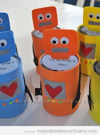 Manualidades para niños, robots de goma eva