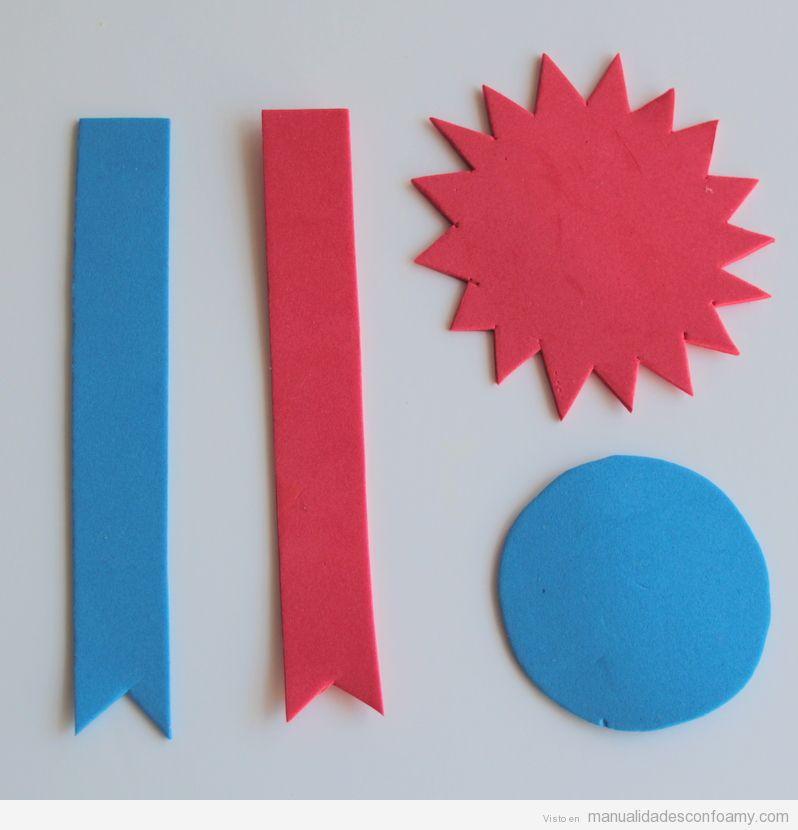 Manualidades niños, tutorial roseta goma eva para regalar en Día del Padre 3