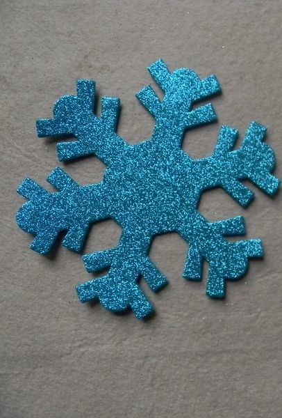 Copos de nieve de goma eva azules