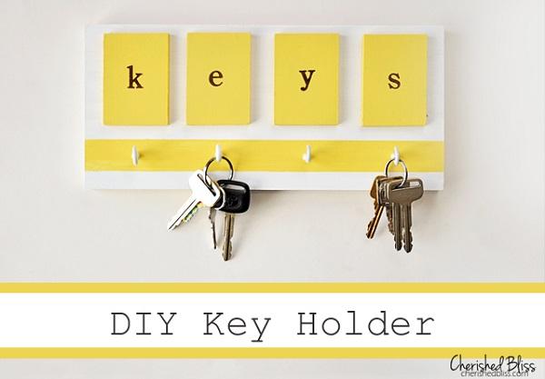 Colgador de llave de foamy DIY 5