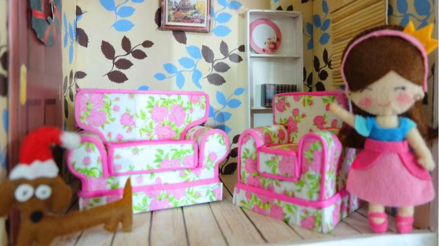 Casas de muñecas con papel pintado 3