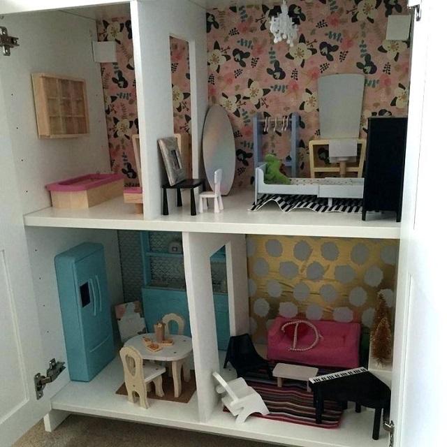Casas de muñecas con papel pintado 5
