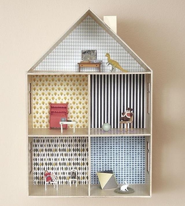 Casas de muñecas con papel pintado 9