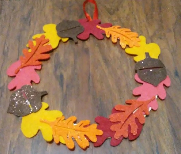 Corona goma eva otoño para puerta de casa 5