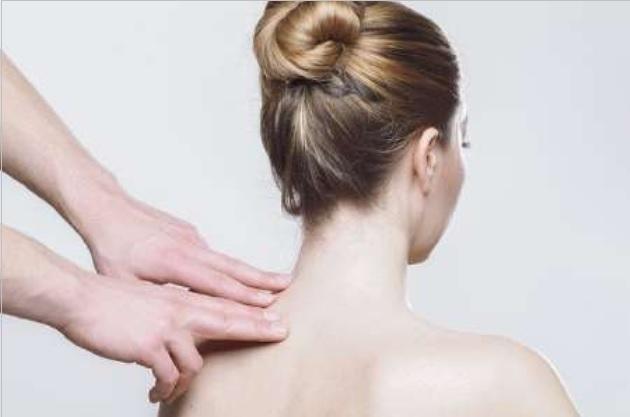 Consejos para el dolor de espalda cuando haces manualidades